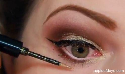 Glamorous Christmas Makeup